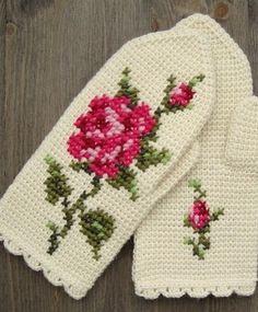Mittens In Tunisian Crochet With Cross Stitch Roses by Jolanta Gustafsson - free pattern here. Mitones de ganchillo tunecino con bordado a punto de cruz. Tunisian Crochet, Knit Or Crochet, Filet Crochet, Crochet Crafts, Crochet Stitches, Crochet Projects, Crochet Pattern, Crochet Mittens, Crochet Gloves