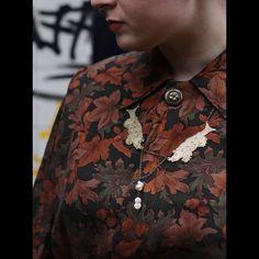 ERDREICH JEWELRY (@_erdreich_) • Instagram-Fotos und -Videos Button Down Shirt, Jewelry Making, Men Casual, Brooch, Videos, Mens Tops, Shirts, Instagram, Fashion