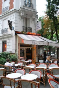 Chez Ginette, Paris, restaurants and bistros in Paris, Paris 3, I Love Paris, Paris Style, Paris Travel, France Travel, Most Beautiful Cities, Beautiful World, Paris Secret, Sidewalk Cafe