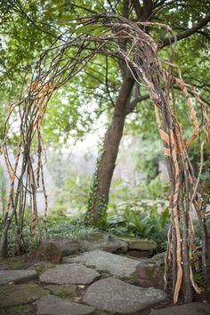 torbogen aus sten und rankpflanzen garten pinterest rankpflanzen torbogen und versteckte. Black Bedroom Furniture Sets. Home Design Ideas