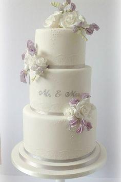 sweetpeas wedding cake