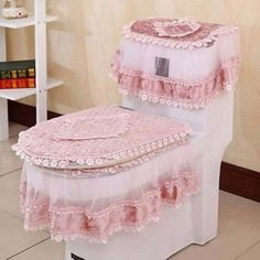 High Grade Three-piece Set Toilet Seat Cover U-shaped Overcoat Toliet Case Home Decor Bathroom Products Lace Toilet Pads Mat Bathroom Crafts, Bathroom Sets, Toilet Accessories, Bathroom Organisation, Seat Pads, Sewing Rooms, Seat Covers, Slipcovers, Decoration