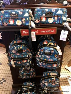 What's New at Disneyland Resort — LOTS of Sweet Treats, Construction Updates, and Awesome New Merch! Disney Food, Cute Disney, Disney Style, Downtown Disney, Disneyland Resort, Disney Souvenirs, Steamboat Willie, Disney Hair, Disney Dooney
