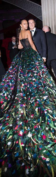 "petitbonbon05:  ""The Met Gala 2016 Zoe Saldaña gown by Dolce & Gabbana  """