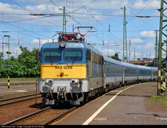 Net Photo: 1298 Hungarian State Railways (MÁV) at Debrecen, Hungary by Zsolt Balog Bahn, Armored Vehicles, Hungary, Trains, Weapons, Buildings, Electric, Fancy, Beautiful