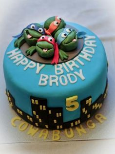 "Previous pinner said ""Teenage Mutant Ninja Turtles Birthday Cake for 5 year-old.JPG"" LOL NOPE I WANT THIS"