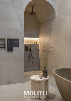 Bathroom Bath, Bathroom Inspo, Bathroom Styling, Bathroom Inspiration, Bathroom Interior, Interior Inspiration, Toilet Wall, Hotel Room Design, Tadelakt