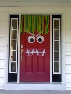 Monster front door for Halloween. So cute! - Click image to find more DIY & Crafts Pinterest pins
