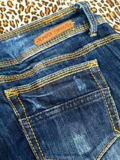 Almost Famous Destroyed Capri Jeans Size 7