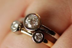 I like this ring... never get it snagged on anything