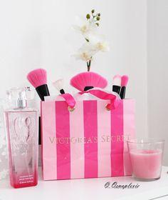 Victoria's Secret perfume pink