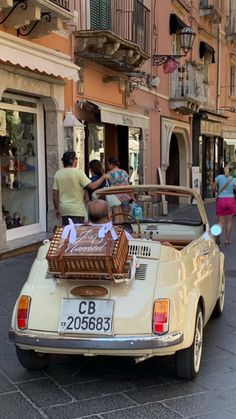 European Summer, Italian Summer, Italian Life, Summer Aesthetic, Travel Aesthetic, Brit, Images Esthétiques, Living In Italy, Pretty Cars