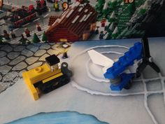 Toy Biplane & Wind-up Bulldozer (Lego City Advent Calendar 2015 | Day 5 + 6)