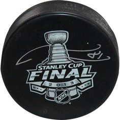 Marian Hossa Autographed 2013 Stanley Cup Logo Puck (SI Auth)