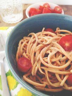 How to Make Vegan 'Cheesy' Pasta Sauce Nut Free Plant Based Recipes, Raw Food Recipes, Sauce Recipes, Italian Recipes, Cooking Recipes, Dinner Recipes, Healthy Recipes, Cheesy Pasta Sauce, Sweet Potato Pasta