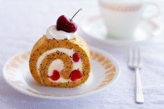 アメリカンチェリーと紅茶のロールケーキ
