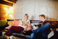#Kuschelecke in unserer #Lokal #Cafe #Bar #Pergola in der Nähe vom Hauptbahnhof Wien :-) #Wien #Hauptbahnhof #City #cosy #atmosphere #Gemütlichkeit #Couch