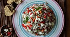 Black Eyed Peas and Rice Salad by Greek chef Akis Petretzikis. A delicious and super healthy, nutritious salad that can be served as a main dish or starter! Greek Recipes, Raw Food Recipes, Rice Salad Recipes, Orzo Recipes, Rice And Peas, Salad Bar, Healthy Eating, Stuffed Peppers, Black Eyed