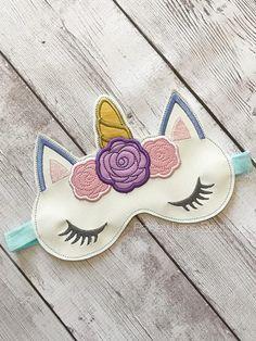 Santa's Magic Key, Star Stitch, Machine Embroidery Designs, Embroidery Ideas, Pet Loss, Baby Boutique, Sleep Mask, Photo Tutorial, Handmade Baby