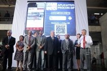 Procon-DF lança aplicativo para aproximar o consumidor dos seus direitos - http://noticiasembrasilia.com.br/noticias-distrito-federal-cidade-brasilia/2015/03/31/procon-df-lanca-aplicativo-para-aproximar-o-consumidor-dos-seus-direitos/
