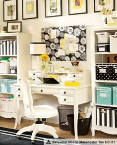 This would be such a cute home office!