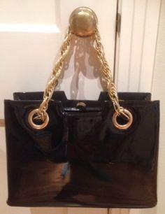 .@VickiBatman: #Handbag and Book #classyaccessory #fashion #MFRWo...