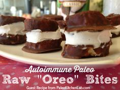 "Autoimmune Paleo Raw ""Oreo"" Bites  - 4 ingredients! // TheCuriousCoconut.com"