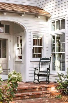 House with Side Porch New England . House with Side Porch New England . Modern Farmhouse, Fresh Farmhouse, Farmhouse Design, Rustic Design, Farmhouse Style, Farmhouse Decor, White Farmhouse, White Cottage, Interior Exterior