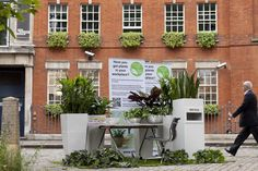 This pop up office was created by Ian Drummond of Indoor Garden Design for eFIG National Plant at Work Week