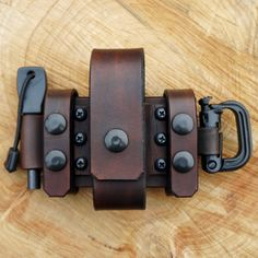 Wolfwind Leatherworks Belt pouch for a TBS EDC Folding Pocket Knife