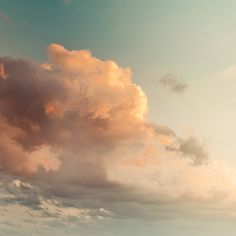 a beautiful painting... love the colors... the greenish hue of the sky, the golden clouds... I would love to have this in my home...