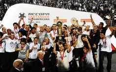 Sport Club Corinthians Paulista - 'Campeão de tudo', Timão celebra fase e alcança status de europeus   globoesporte.com