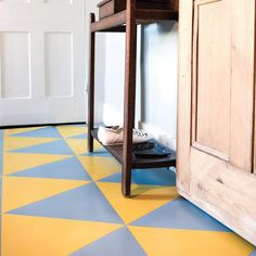 Light grey rubber flooring tiles with blue undertones - create a modern design in diamonds, stripes or hexagons, or go freestyle with your own bespoke look