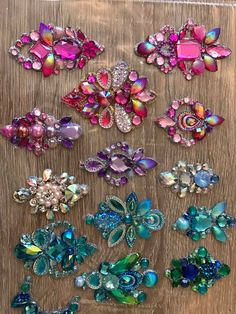 Best 10 Bling rhinestone appliques – Page 460633868135482011 Vintage Jewelry Crafts, Vintage Costume Jewelry, Diy Jewelry, Beaded Jewelry, Jewelry Making, Embroidery Jewelry, Beaded Embroidery, Embroidery Designs, Rhinestone Crafts
