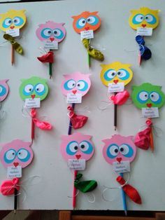 Owl Crafts, Xmas Crafts, Crafts For Kids, Cozy Aesthetic, Brooches Handmade, First Day Of School, Kids Cards, Cake Pops, Preschool