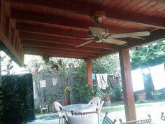 PERGOLAS Y QUINCHOS: quinchos Outdoor Kitchen Design, Patio Design, Blessed Mother, Backyard Patio, Bbq, Gardens, Verandas, Bar Grill, Pallet Wall Shelves
