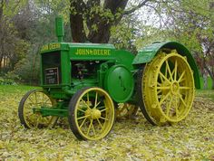 Within the next 10 years rubber tires would soon appear on these tractors Antique Tractors, Vintage Tractors, Vintage Farm, Old John Deere Tractors, Jd Tractors, John Deere Equipment, Old Farm Equipment, Triumph Motorcycles, Tractor Pictures