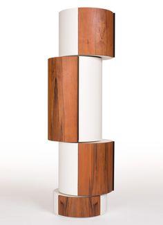 Detail zu: Barschrank aus Tineo. Möbelobjekt in Säulenform mit vier unabhängig voneinander drehbaren Teilen - einfach genial!