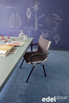 een creatieve werkomgeving | a creative work environment (Fleur 151 Sea Blue)
