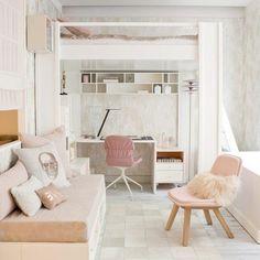 idee amenagement chambre ado pour fille, meubles en rose pale, sol en carrelage