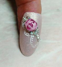 Candy ball by Eszter Endrődy  #gel #gelnails #nailart #nails #naildesign #nailspiration #instanails #nailporn #candyball #candyballnails #2mbeautyprofessional #2mbeauty @2mbeauty_official