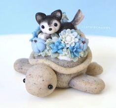 Polymer Clay Kawaii, Polymer Clay Animals, Polymer Clay Crafts, Diy Clay, Easy Diy Crafts, Diy Arts And Crafts, Clay Turtle, Cute Kawaii Animals, Cute Turtles