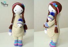 Muñeca de crochet con bebé, cabello en trenzas y accesorios cabeza…