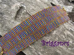 Beaded bracelet using seed beads and bugles Seed Bead Bracelets, Seed Bead Jewelry, Bead Jewellery, Beaded Jewelry, Beaded Bracelet Patterns, Jewelry Patterns, Beading Patterns, Bead Crochet, Beading Tutorials