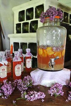 Rhabarber-Flieder Limonade Wilde, Yummy Drinks, Tea, Home Decor, Lemonade, Lilac Bushes, High Tea, Homemade Home Decor, Interior Design