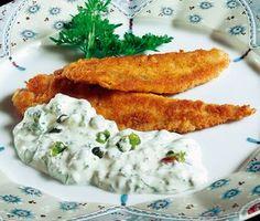 Alla sorters stekt fisk smakar extra gott med remouladsås till. Här är en remouladsås i en något moderniserad variant.