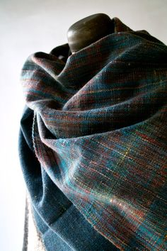 Lovely colours in warp and weft, space dyed, weft chambray..!