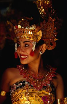 A Sita dancer prior to the beginnings of the Bali Arts Festival