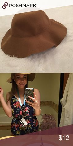 Tan Hat Tan hat purchased at Forever 21! Wore during the summer and loved it! Looks cute with any outfit. Forever 21 Accessories Hats