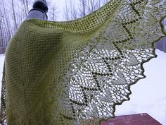 wool4willow's Limenaria Echo - This looks like it's a triangular shawl, but it's oh so beautiful and gorgeously green.